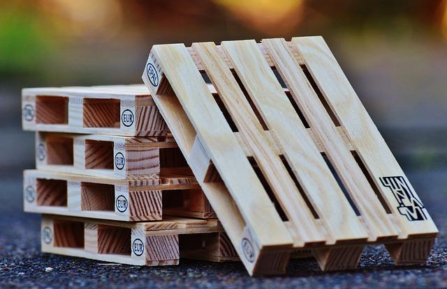 Costruire Tavoli Con Pallet : Come costruire un tavolo con bancali fai da te lartedinnovare