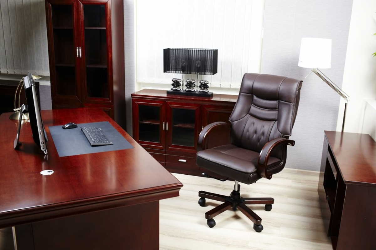 Sedie per l 39 ufficio o per lo studio in casa lartedinnovare for Arredamento studio legale moderno
