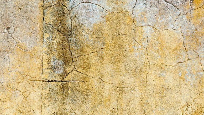 Come risolvere il problema delle crepe nei muri di casa for Resina per crepe nei muri